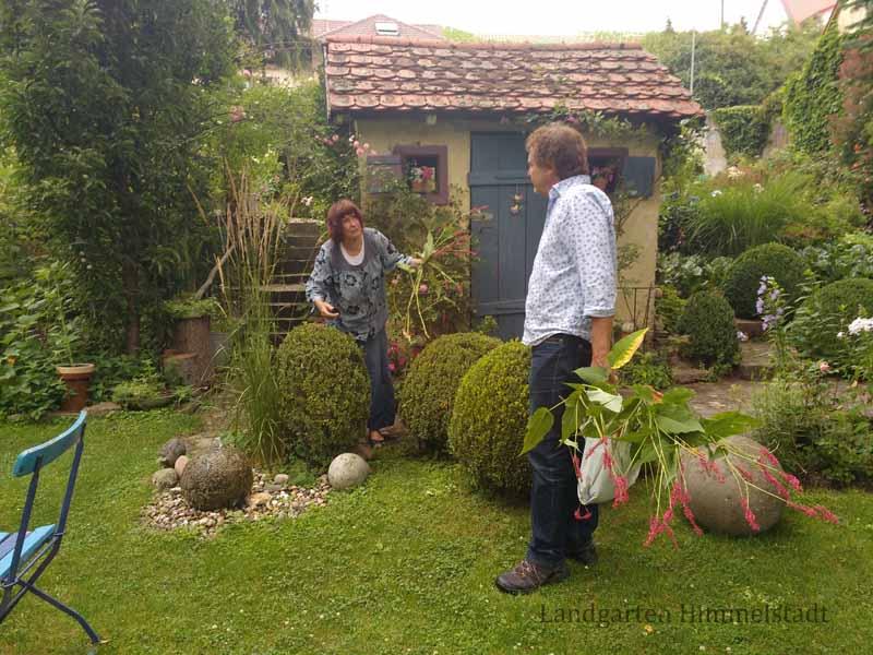 Anita Rau, leidenschaftliche Gärtnerin